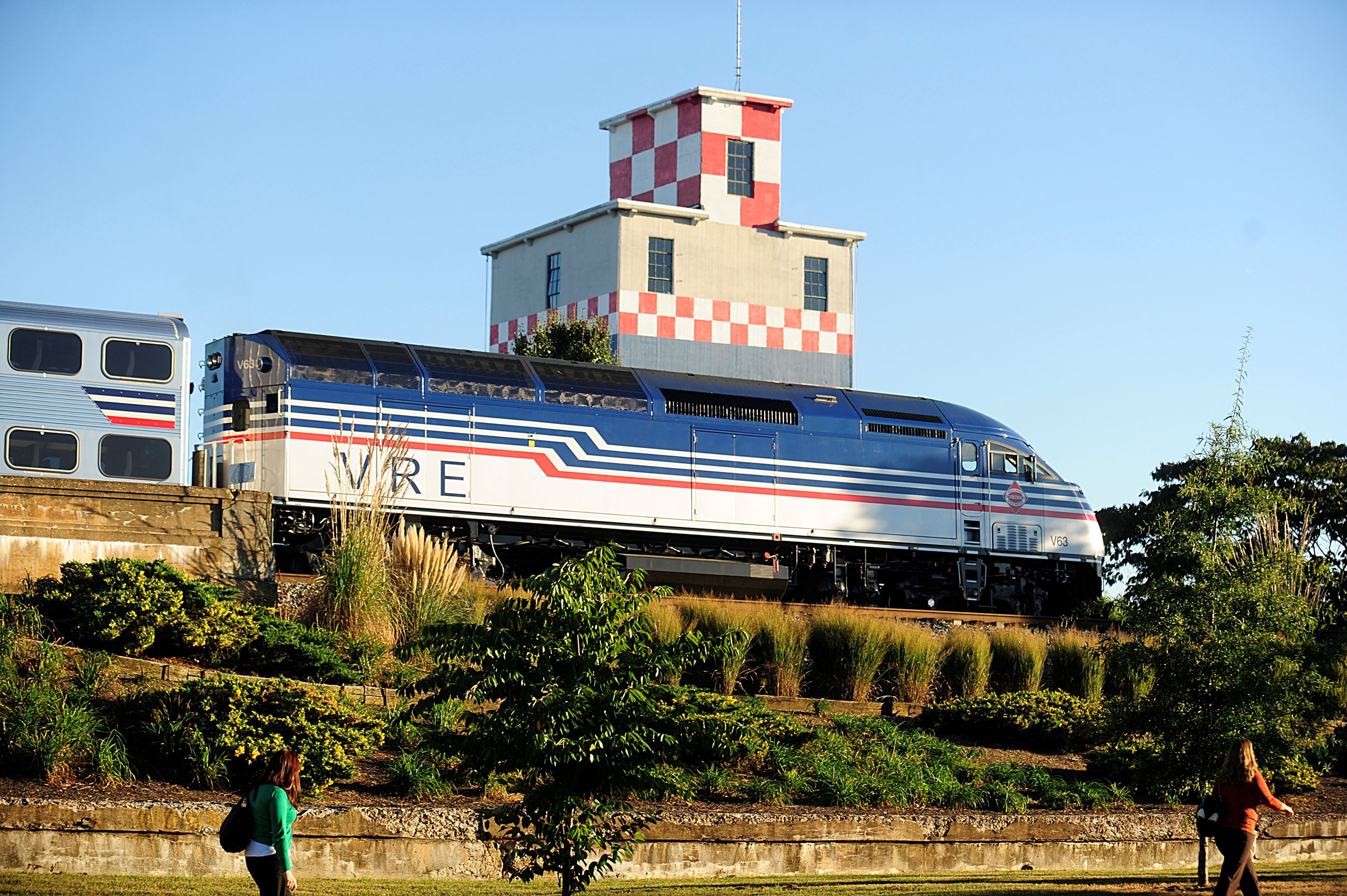 VRE Trains